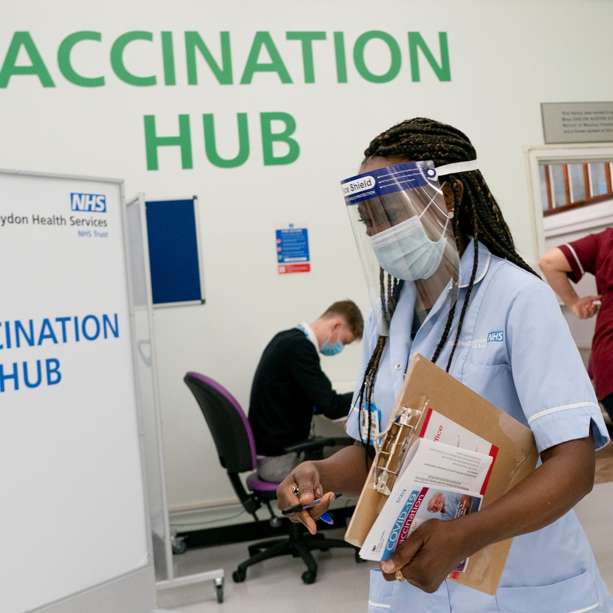 NHS told not to give Covid vaccine